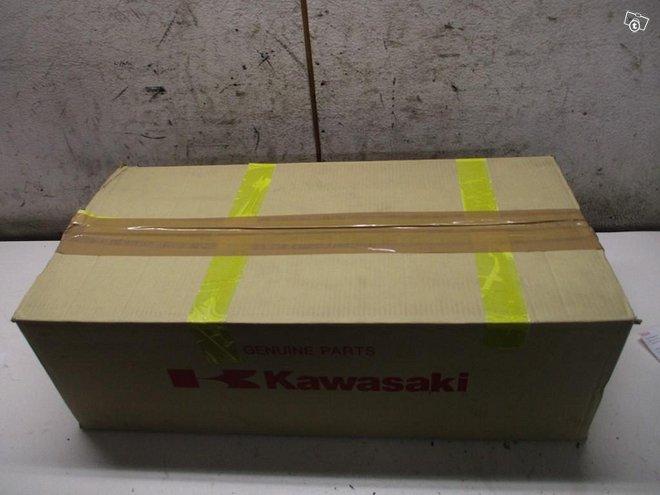 Kawasaki Vn900 Classic 2006-19 Apurunko taka uusi
