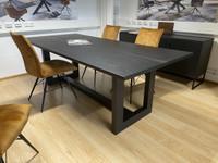 Ruokapöytä 220x100 cm musta