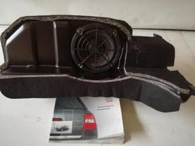 Audi A6 (4B) 3.0L Kaiuttimet + subwoofer, Autovaraosat, Auton varaosat ja tarvikkeet, Tuusula, Tori.fi