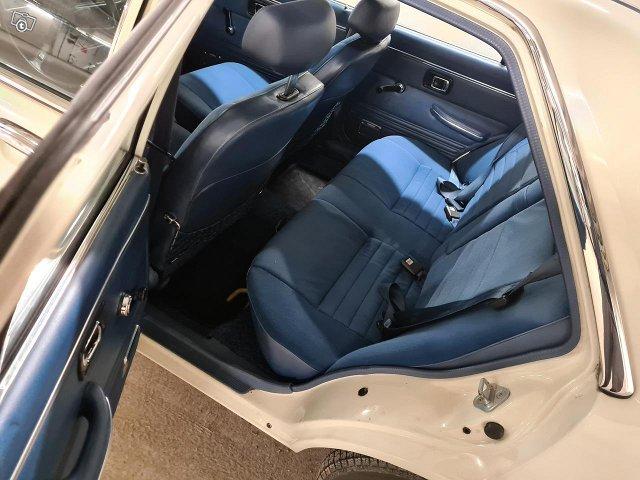 Honda Accord 1979 45000 km 59 kW 9