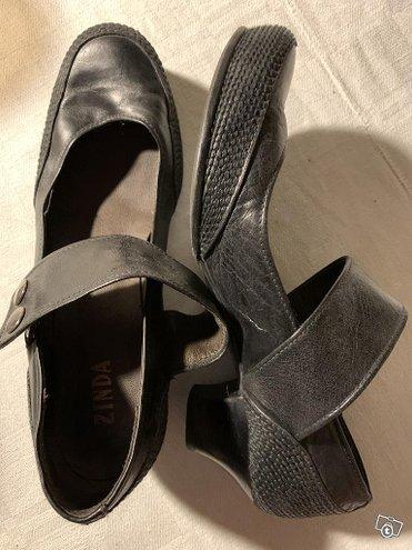 Remmilliset Zinda ja Clarks avokkaat/kengät