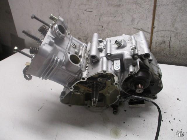 Honda CBR 125 R 2013 osia
