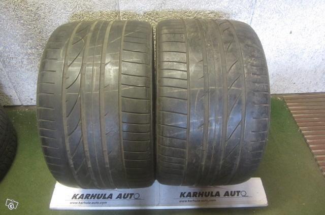 """305/30 R19"""" Tarkistettu rengas Bridgestone"""