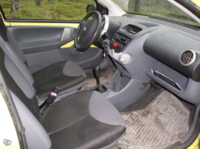 Peugeot 107 3-door 1.0 Manual, 68hp, 2007 6