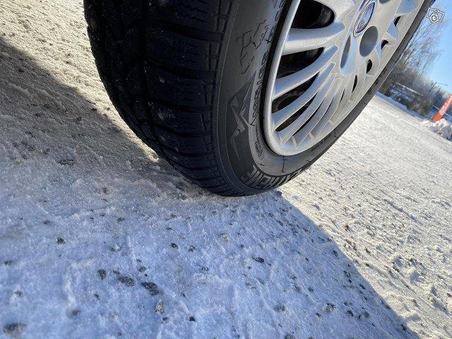Fiat Punto 1.4 bensa katsatettu 11/2021 10