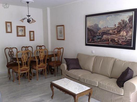 Tilava huoneisto Espanjan aurinkorannikolla