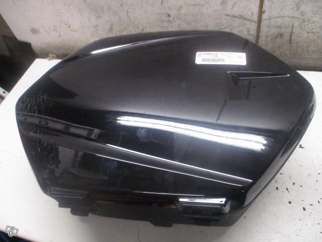 Yamaha MT-9 900 Tracer GT sivulaukku ja muita osia