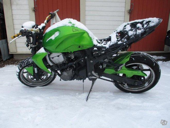 Kawasaki Z 750 2007 osia