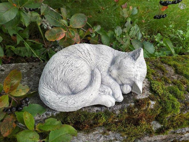 Patsaat: Nukkuva kissa Z210, betonia 6 kg