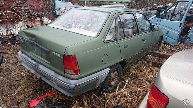 Opel Kadett 1.3 osina