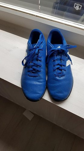 Football boots Adidas size 36