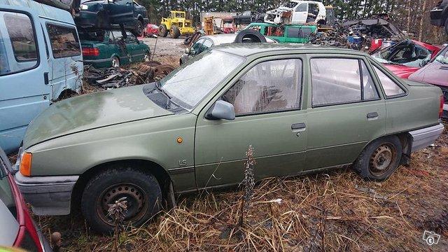 Opel Kadett 1.3 osina 3