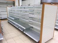 Käytetty myymälähylly