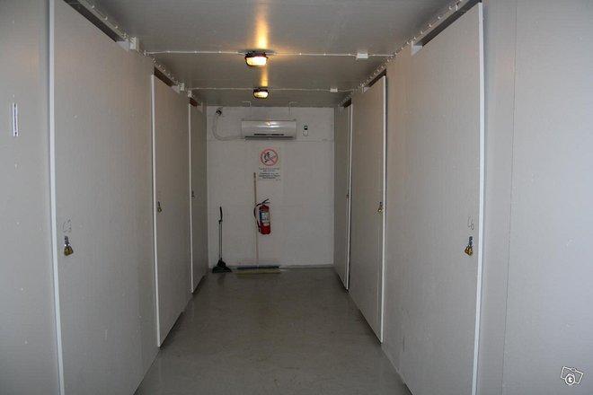 Varasto huoneita / lager rum förråd
