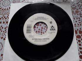 """Madonna 7"""" Nothing really matters, Musiikki CD, DVD ja äänitteet, Musiikki ja soittimet, Rovaniemi, Tori.fi"""