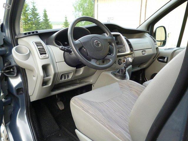 Nissan Primastar tila-auto 6