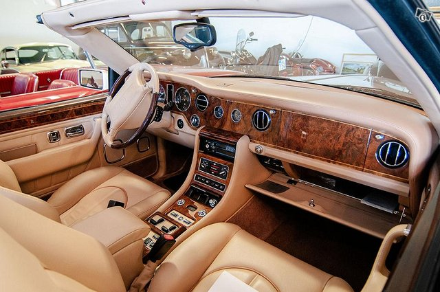 Rolls Royce vm.2000 4