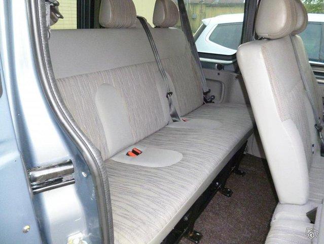 Nissan Primastar tila-auto 3