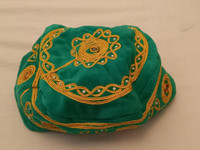 Koristeellinen vihreä hattu