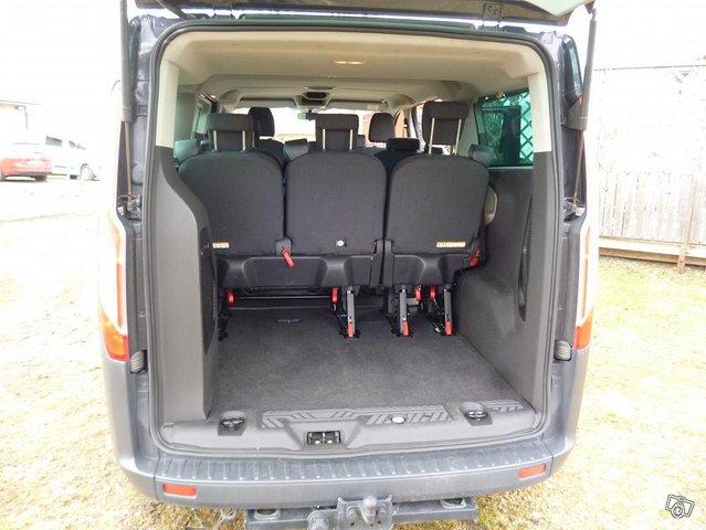 Ford Custom Tourneo minibussi 6