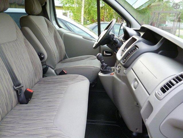 Nissan Primastar tila-auto 5