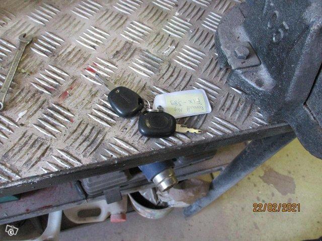 Renault Megane 1,4 16 valve Confort vm 1999 17