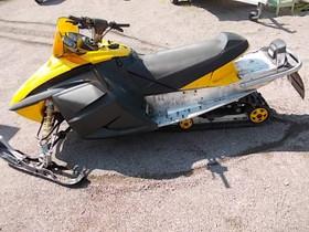 Ski-Doo MXZ 550 2005 osia, Moottorikelkan varaosat ja tarvikkeet, Mototarvikkeet ja varaosat, Helsinki, Tori.fi