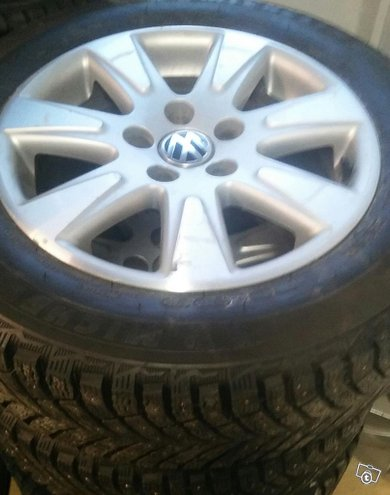 Vw Nastarengas paketti 215 60R16 Michelin x-ice 4