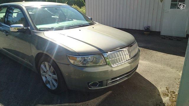 Lincoln MKZ 5