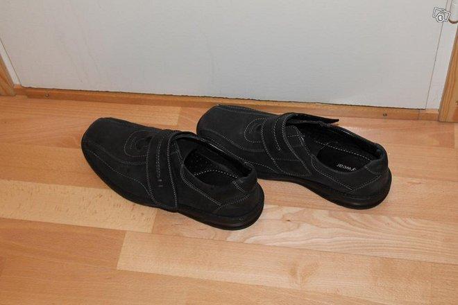 Kengät uudet nahkaa