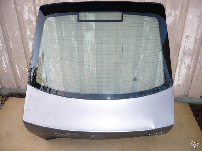 Skoda Octavia CC lämmitettävä takalasi