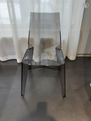 Bonaldo poly tuoli