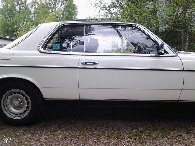 Mercedes-Benz 280 2