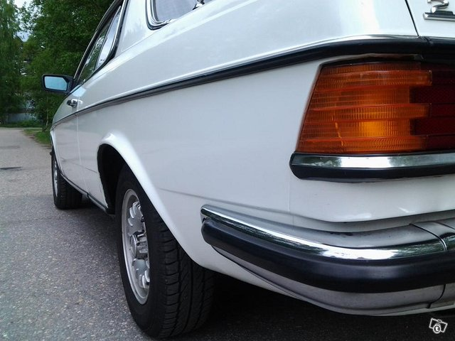 Mercedes-Benz 280 5