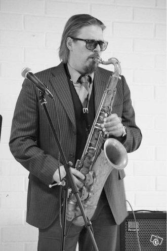 Saksofoni, Huilu, Klarinettitunteja