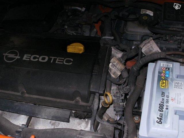 Opel ASTRA 1.6 I farmari,2004,k.8/2020 7