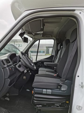 Renault Master Eurobox XXL 11
