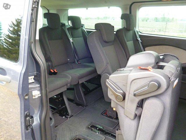 Ford Custom Tourneo minibussi 3