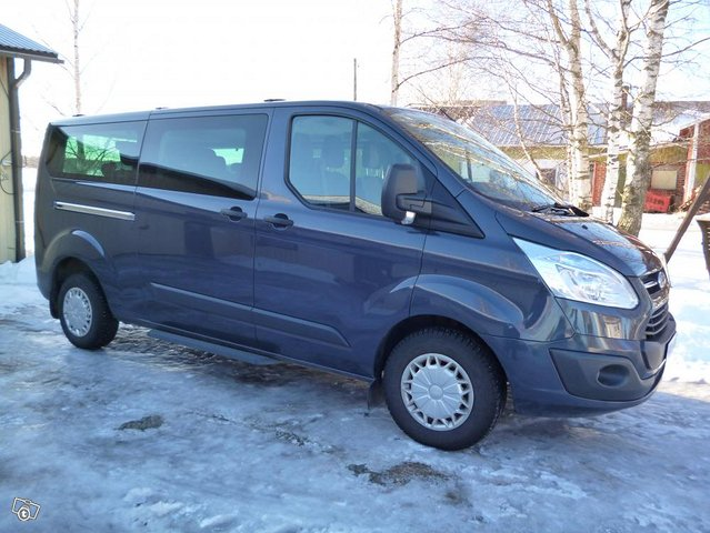 Ford Custom Tourneo minibussi