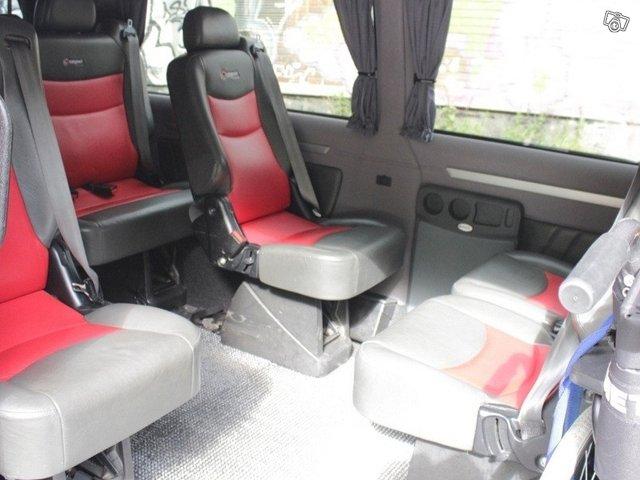 minibussi / pikkubussi 1 + 8 henkilöä 2