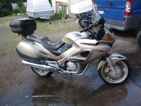 Honda NT 650 V 2000 osia, Moottoripyörän varaosat ja tarvikkeet, Mototarvikkeet ja varaosat, Helsinki, Tori.fi