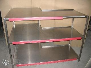 Rst 3-tasopöytä / hylly kulmalla