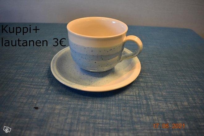 (E)21581 Kultakeramiikan astioita
