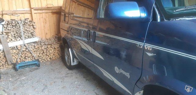 Chevrolet Astro 2