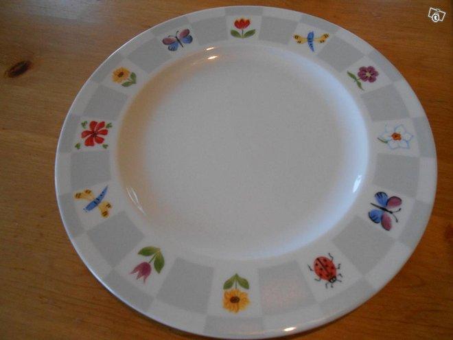 Kesäiset lautaset 4 kpl