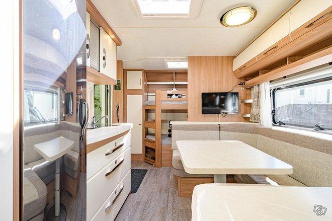 Asuntovaunu HOBBY 560 KMFe vm.2020