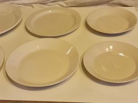 Arabia valkoisia lautasia, Kesti, Forte, Teema, Ruokailuastiat ja aterimet, Keittiötarvikkeet ja astiat, Kirkkonummi, Tori.fi